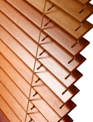 Dřevěné žaluzie na míru